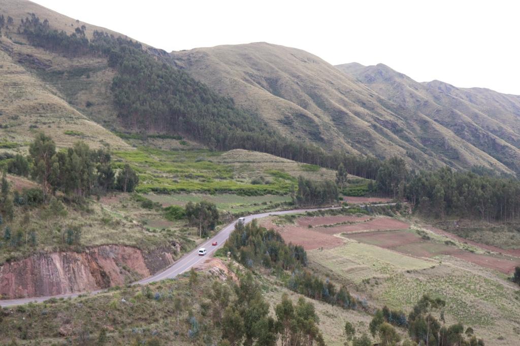 Mountain range by Tambomachay